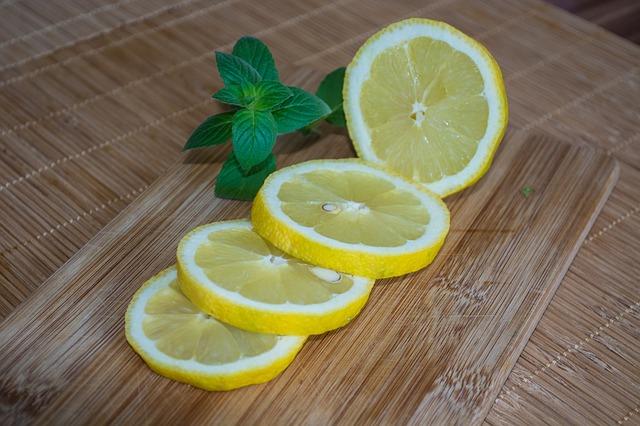 lemons-409089_640