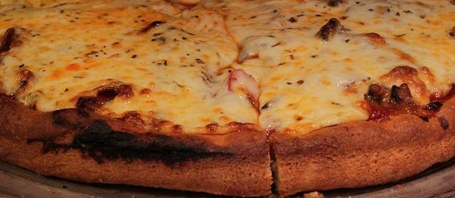 pizza-1331314_640