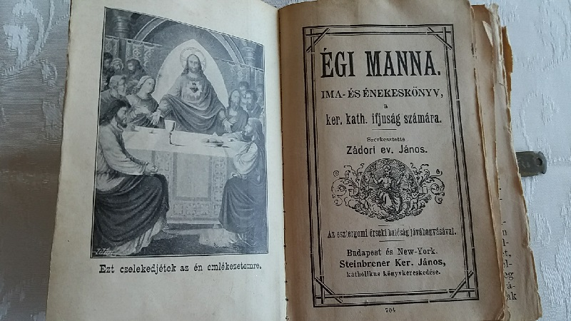 Régiségek Szent könyv a múltból
