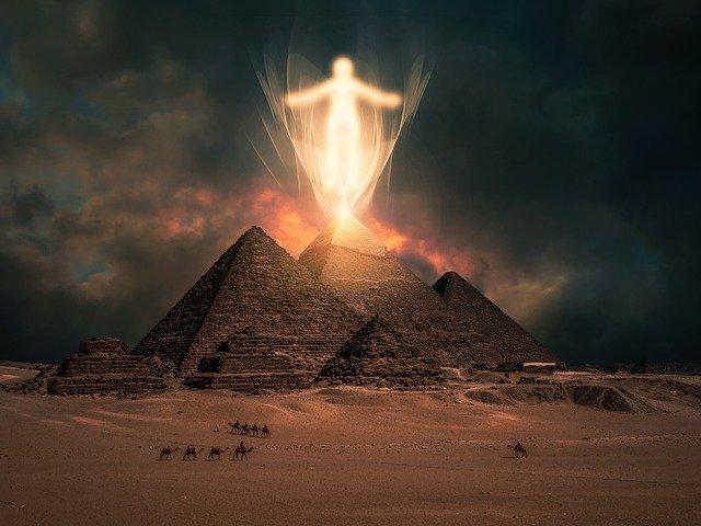 Piramisok titkai Nézzük együtt !